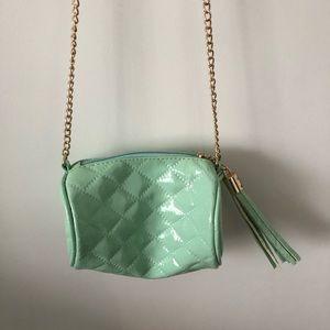 Handbags - NEW w/o tags mint green purse w/ Chain♥